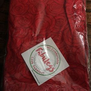 Fabulegs nwt red roses large